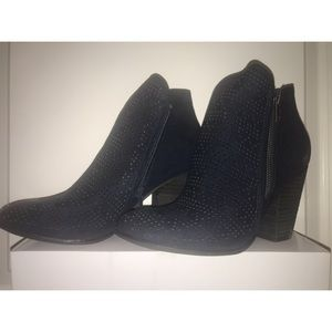 Carlos Navy heeled ankle boot